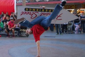 Vegas.com Blog Reports on 2013 Sign Spinning Championships post cover image