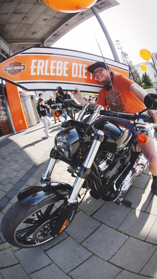 aarrow germany rocks out at the harley davidson store in. Black Bedroom Furniture Sets. Home Design Ideas