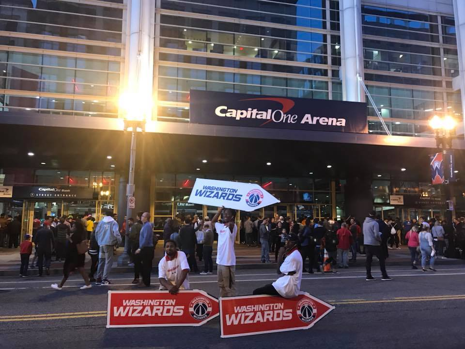 NBA Sign Spinners Wizards